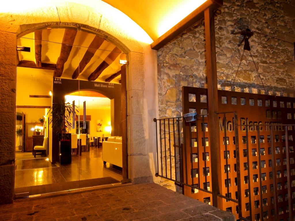 Detall Entrada Molí Blanc Hotel.WEB